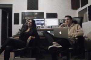 Στέλλα και Pitt: Δύο μουσικοί κόσμοι ενώνονται!