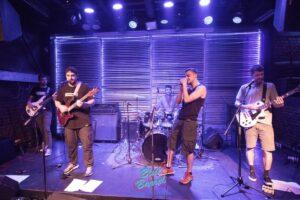 «The Strange Street» band! Εσύ είσαι έτοιμος να τους γνωρίσεις;