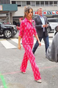 https://www.elle.com/fashion/celebrity-style/g28609/celebrities-wearing-pjs/?slide=53