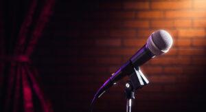 5 Ελληνικά Stand Up Comedy Shows που αξίζουν την προσοχή σου